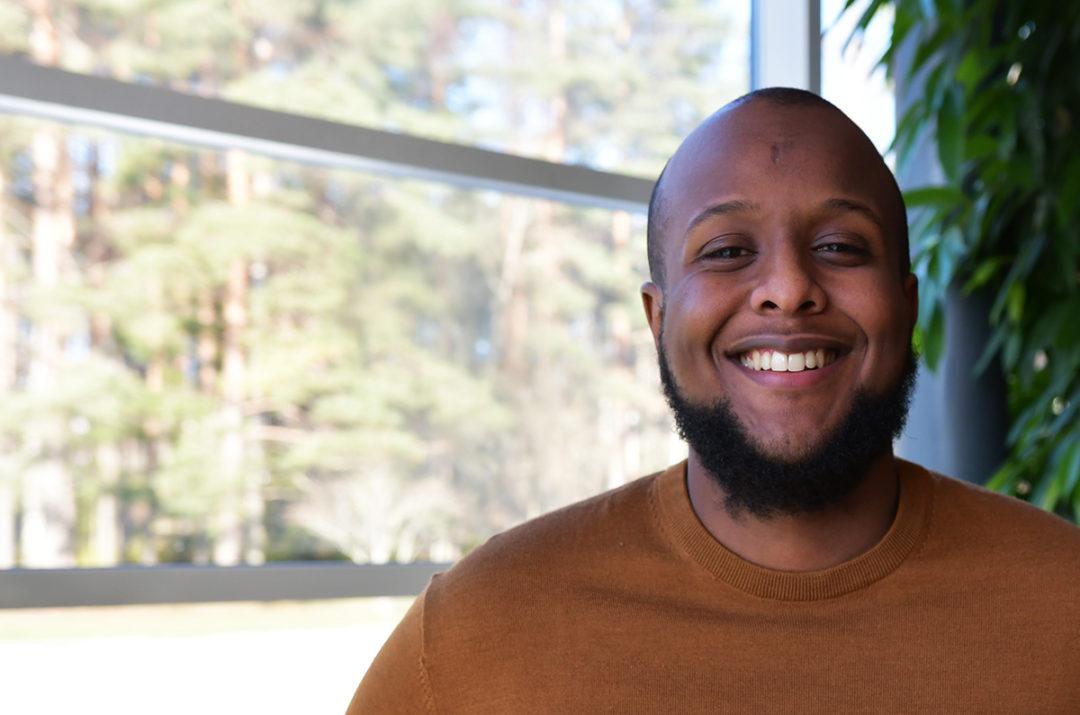 Att skapa förändring och att jobba med samhällsfrågor är traineen Mostafas drivkrafter